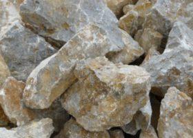Lomový kameň - na oporné múry, kamenné múry, do základov, záhradné skalky