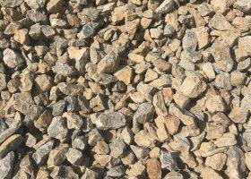 Drvené kamenivo VÁPENEC 15-45 - Podsypový kameň na spevnenie stavebných plôch, ciest, chodníkov, drenážne násypy, zásypy