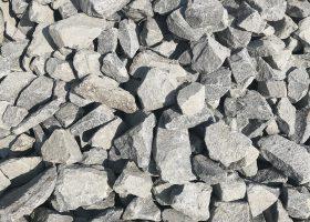 Drvené kamenivo ANDEZIT 63-125 - Podsypový kameň na spevnenie stavebných plôch, hál, cestných komunikácii , zásypov a spevnenie nesúdržných násypov, drenážnych násypov, gabiónových plotov